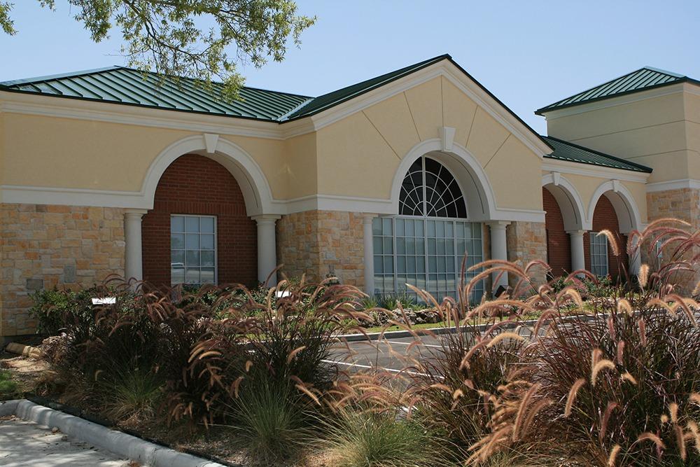 Earthman Hunters Creek Funeral Home outside veiw 3