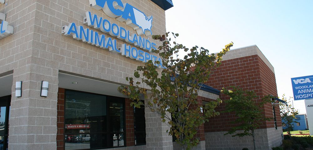 VCA Woodlands Animal Hospital store front